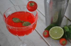 Gin Strawberry Basil Martini foto