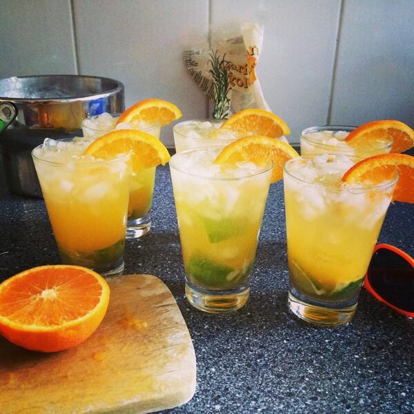 Oranjinha's aan het maken