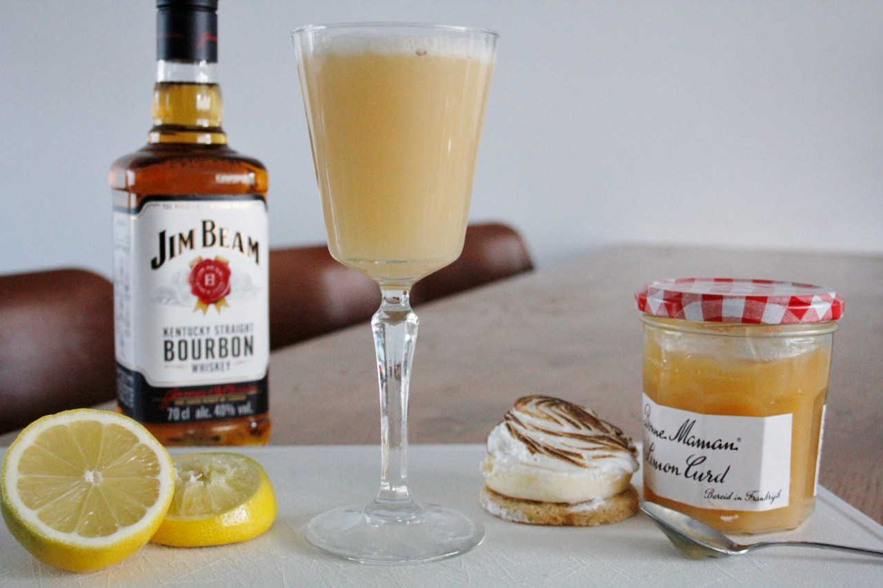 Lemon Curd Merengue Martini foto